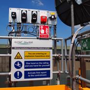 T403H1_platform_arrival_sign