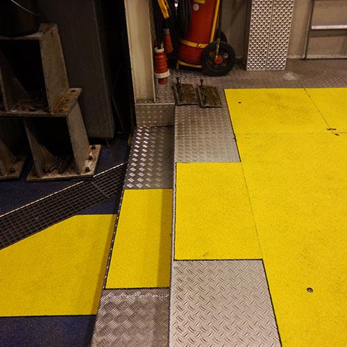 Anti-slip looppad panelen helpen om looppaden beter zichtbaar te maken en de bezoeker te behoeden voor valpartijen.