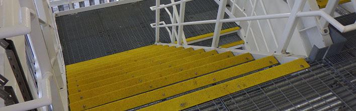 Anti-slip trapneuzen voor het voorkomen van struikelen. Gemaakt van verschillende materialen. Kosteneffectief en gemakkelijk te installeren
