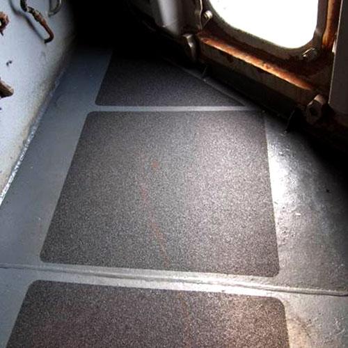 Anti-slip tapes en folies geven duurzame, non-slip oppervlak om letsel te verminderen in een breed scala van toepassingen