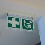 Luxe uitvoering van reddingsmiddelensignalering voor in een kantooromgeving