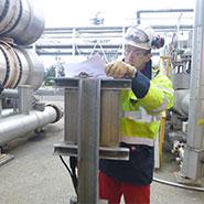 Sicherheitskennzeichnung und rohrleitungskennzeichnung mit TPS