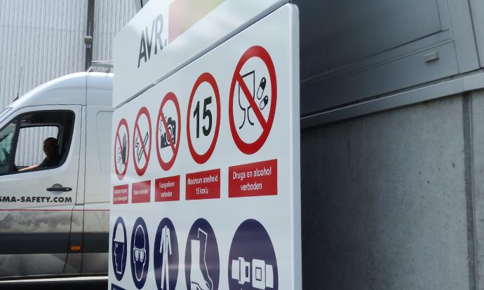 AVR Afvalverwerking Huisstijl signalering Blomsma Signs & Safety