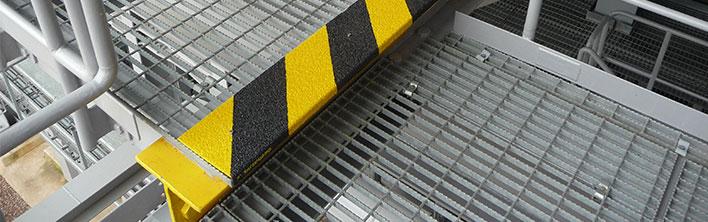 Markeerpanelen zijn bedoeld voor het markeren van tredes of niveauverschillen, deze vallen door anti-slip panelen direct op