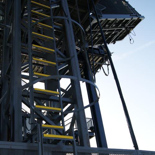 Laddersport profielen zijn gemaakt van de beste kwaliteit glasvezel, ingebed met scherpe en duurzame siliconencarbide steenfragmenten