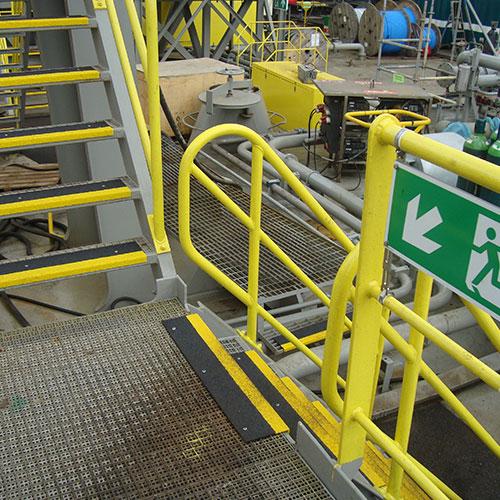 Trappanelen verbeteren de grip en zichtbaarheid op traptreden en minimaliseren het risico op incidenten.