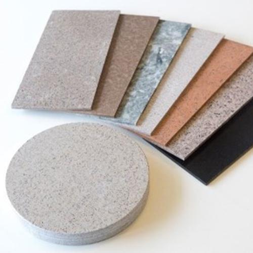 Zirkuläres Plattenmaterial: Stahlhartes Biokomposit