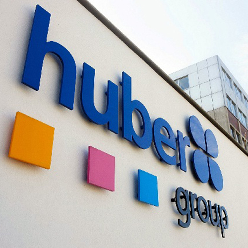 Huber Group gunt Blomsma Signs & Safety leiding- en tankmarkering